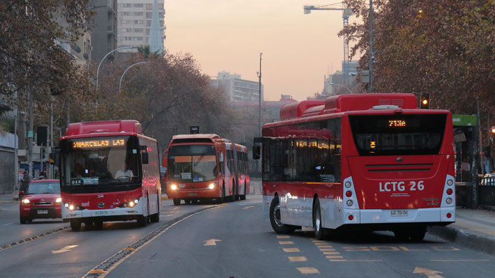 ¿Hasta qué punto puede el Ejecutivo frenar el alza de las tarifas del transporte?: Expertos analizan