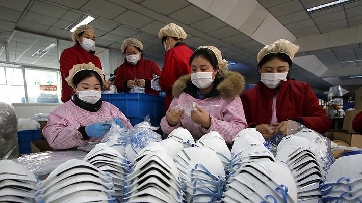 China confirma la primera muerte por coronavirus fuera de la provincia de donde surgió: ya van 18 fallecidos
