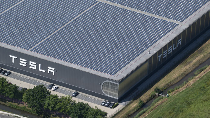 Hallan 25 bombas de la Segunda Guerra Mundial en terrenos donde Tesla levantará nueva fábrica en Alemania