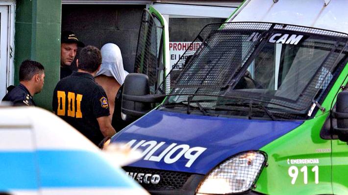 Testigos reconocen a tres agresores relacionados con el crimen de joven en balneario de Argentina