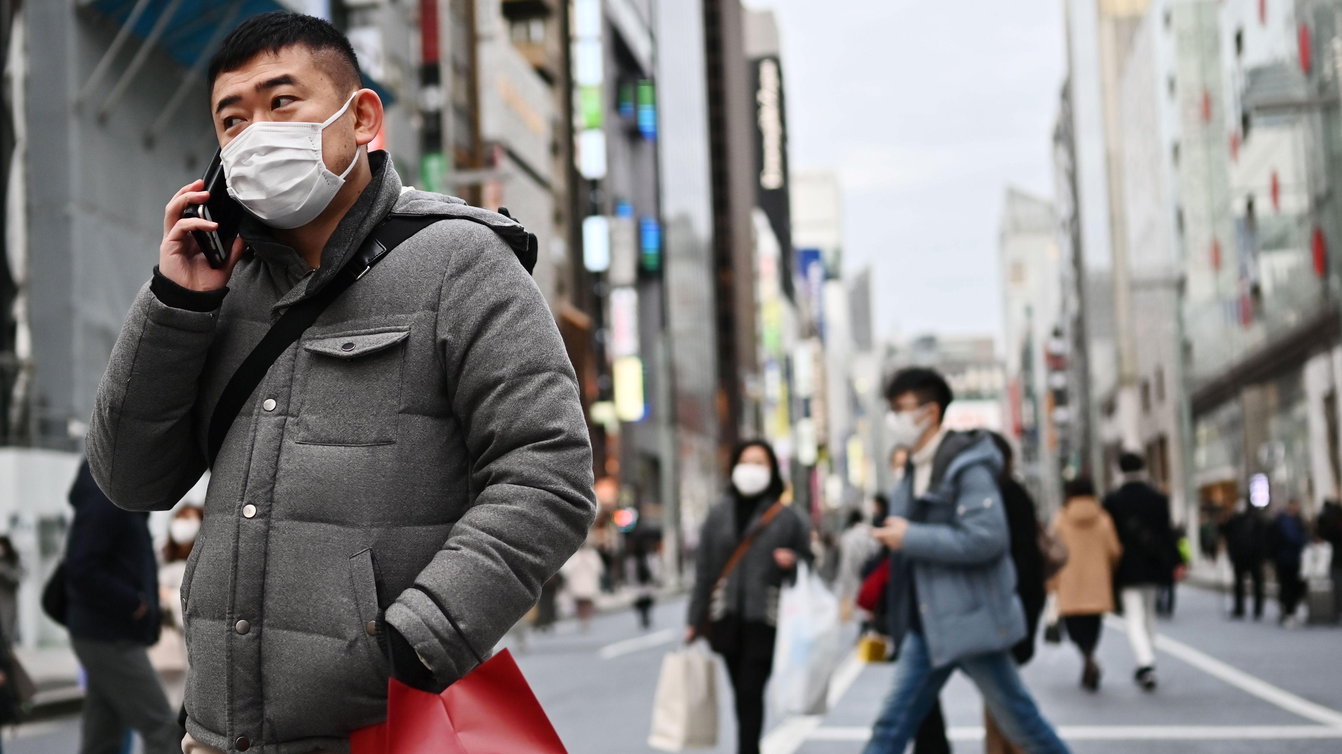 Coronavirus: Beijing suspende transporte público mientras que Wuhan prohíbe el tránsito de casi todo tipo de vehículos