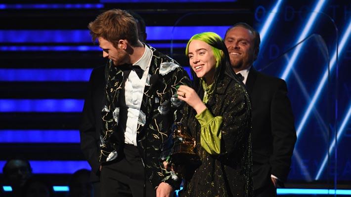 Billie Eilish arrasa en los Premios Grammy y gana en las cuatro categorías principales