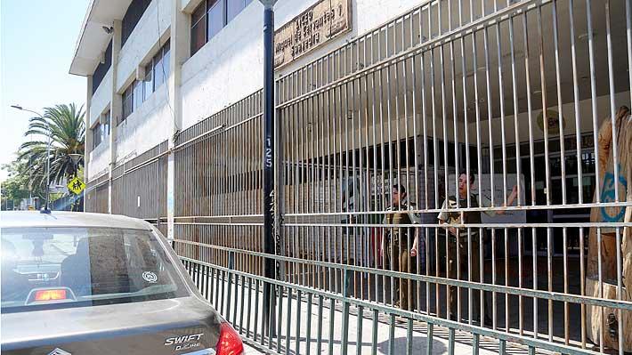 Dos jóvenes fueron detenidos en Puente Alto en manifestación en colegio sede de la PSU