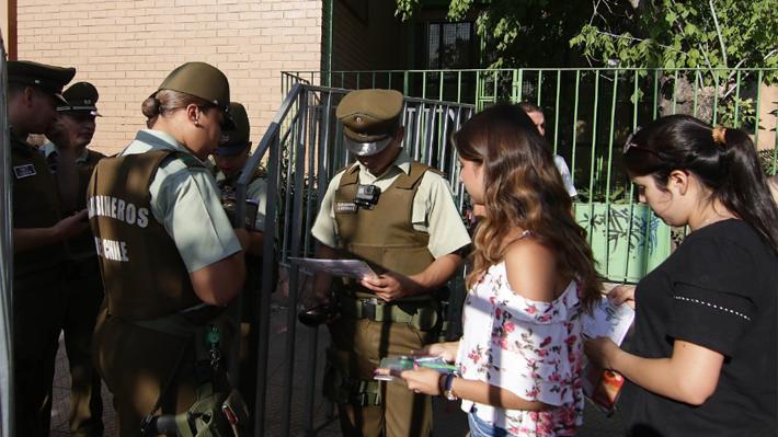 """Demre informa que se habilitó el """"100% de los recintos"""" y que tras esto se registraron """"casos específicos"""" de disturbios"""