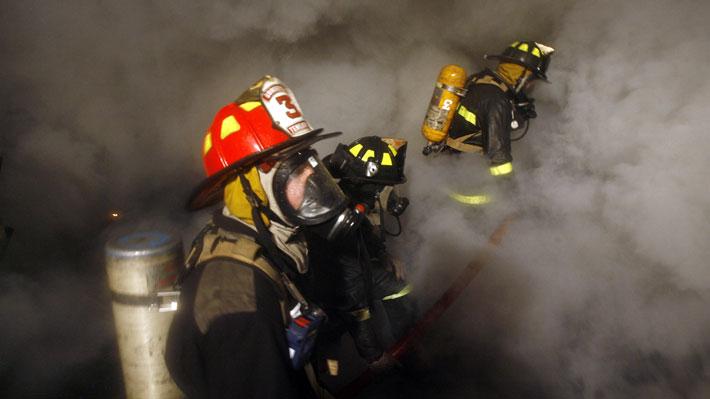 Investigan intencionalidad en incendio al interior de bodegas de la Aduana en Placilla