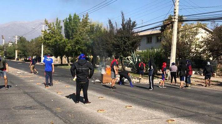 Barristas de la U. de Chile protagonizaron violentos incidentes con Carabineros en el Estadio Nacional