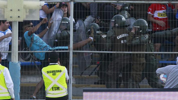 Incidentes durante partido de la UC y O'Higgins dejan tres carabineros lesionados y dos personas detenidas