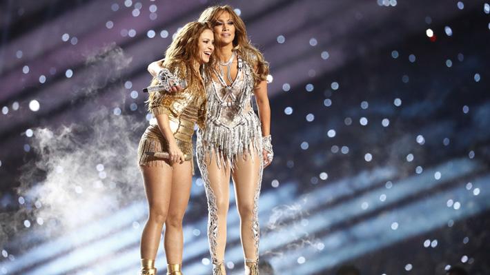 Shakira y Jennifer López conquistan presentación del medio tiempo en el Super Bowl con Bad Bunny y J Balvin de invitados