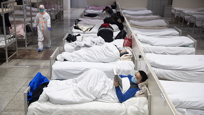 China eleva a 563 los muertos y a 28.018 los infectados por el brote del nuevo coronavirus