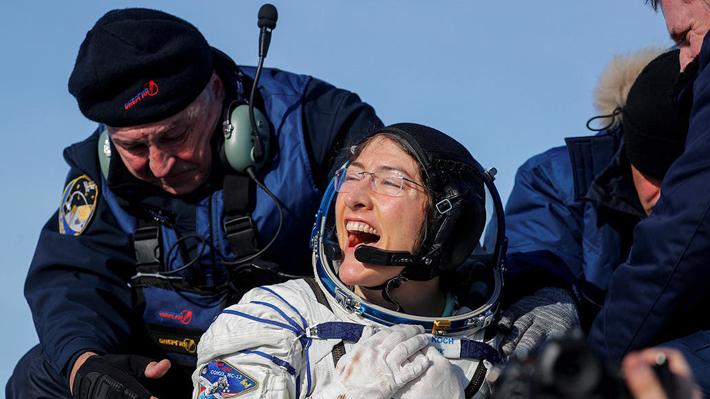 Vuelve a la Tierra la mujer que cumplió la misión más larga en el espacio: Estuvo 328 días en órbita
