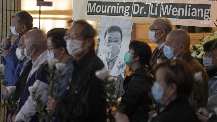Muerte del doctor que alertó del coronavirus provocó una ola de críticas hacia las autoridades chinas