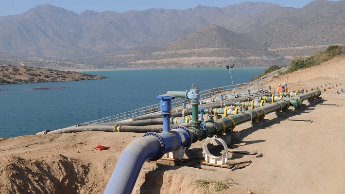 Código de Aguas: El debate en torno a la privatización y los derechos del bien hídrico en el país