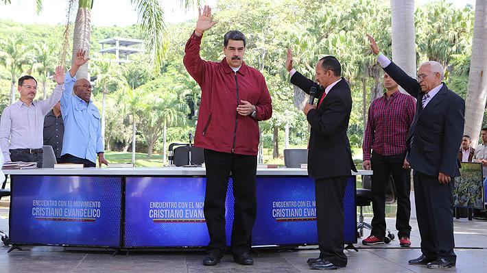 """""""Una revolución en Cristo"""": Nicolás Maduro sale en busca del apoyo evangélico"""