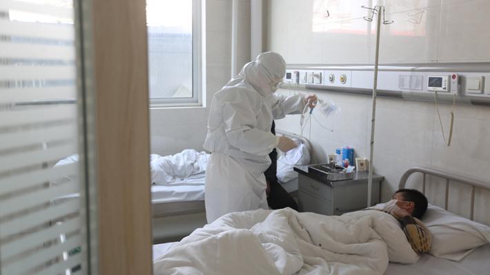 En qué consiste la nueva metodología que registra los casos de coronavirus en China y que hizo que se multiplicaran las cifras