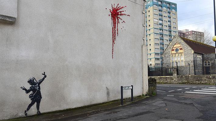 Aparece en Bristol un mural que habría sido pintado por Banksy: Artista callejero no ha confirmado su autoría