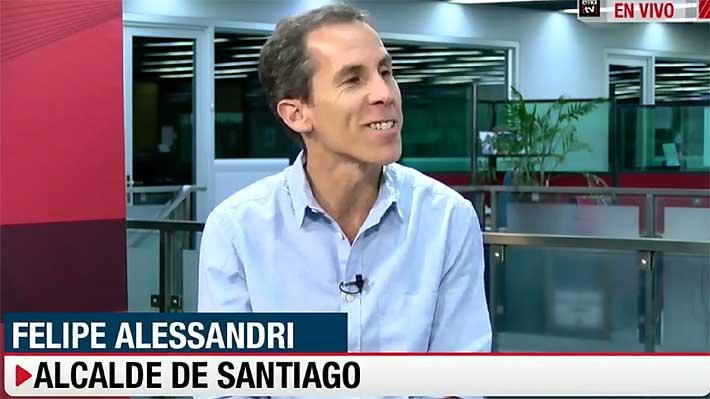 """Alcalde Alessandri ofrece disculpas tras calificar de """"momificados"""" a partidarios del Rechazo"""