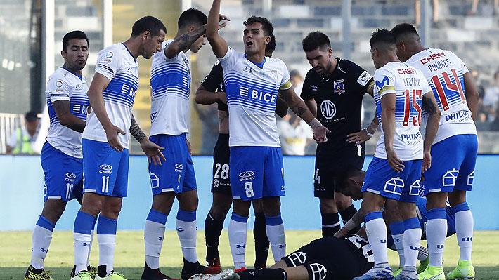 Otro bochorno mancha al fútbol chileno: Duelo Colo Colo-UC fue suspendido luego que un fuego artificial hiriera a Blandi