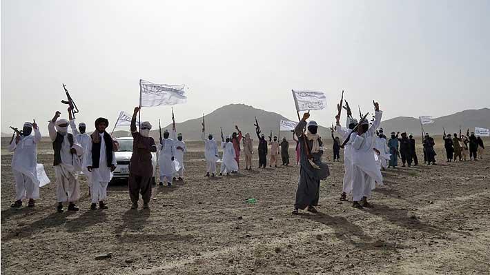 """Primer ministro de Afganistán dice que el acuerdo de paz de EE.UU. con los talibanes ya está """"cerrado"""""""