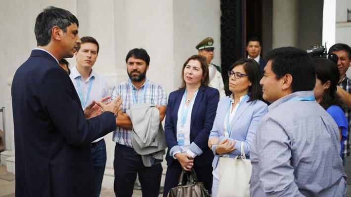 Ministro Couve activa red de investigadores para enfrentar virus emergentes en Chile como Covid-19