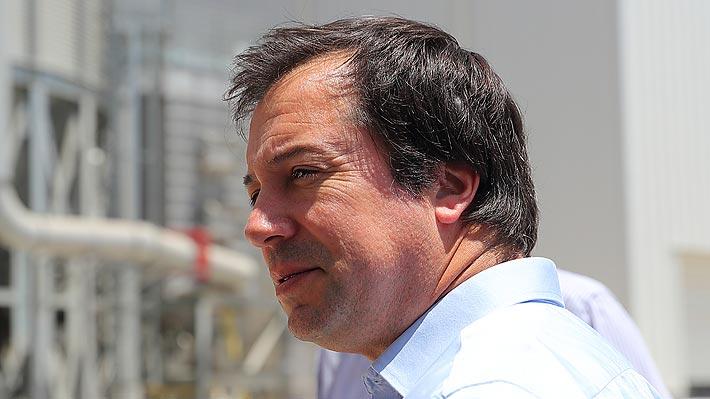 """Ministro Palacios suspende militancia de la UDI y asegura que el partido """"se equivocó"""" en respaldar versión de Hasbún"""