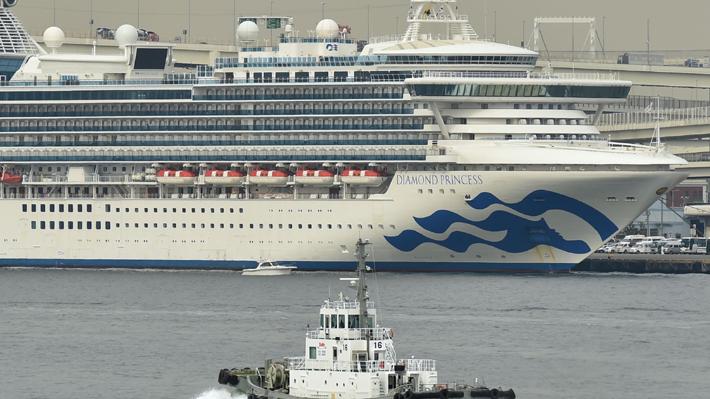 Confirman que chilena tripulante de crucero en Japón está contagiada con coronavirus