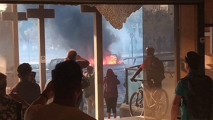 Evacuan Hotel O'Higgins tras ataque de encapuchados en protesta previa al Festival de Viña