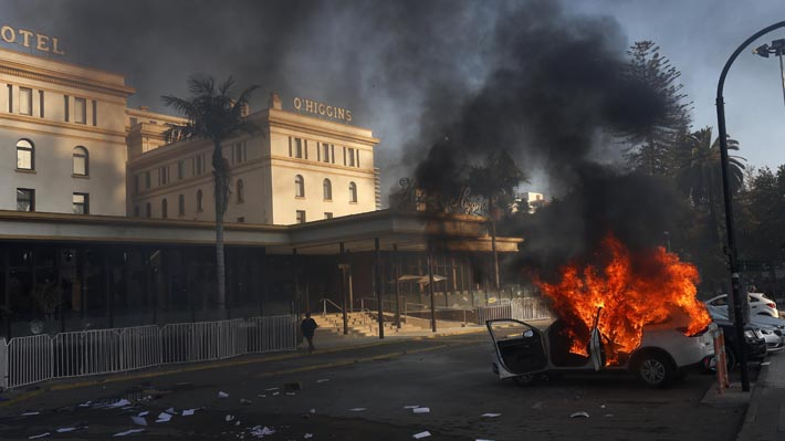 Las consecuencias de las manifestaciones en la primera noche de Viña 2020: Suspensión de la obertura y de las competencias