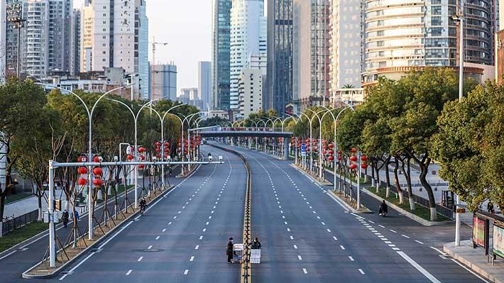 China no levantará la cuarentena en Wuhan por el momento, pese a que se había anunciado lo contrario