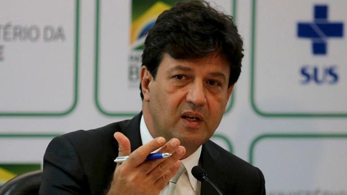 """Ministro de Salud brasileño llama a la calma por caso de coronavirus: """"Es una gripe, vamos a pasar por ella"""""""