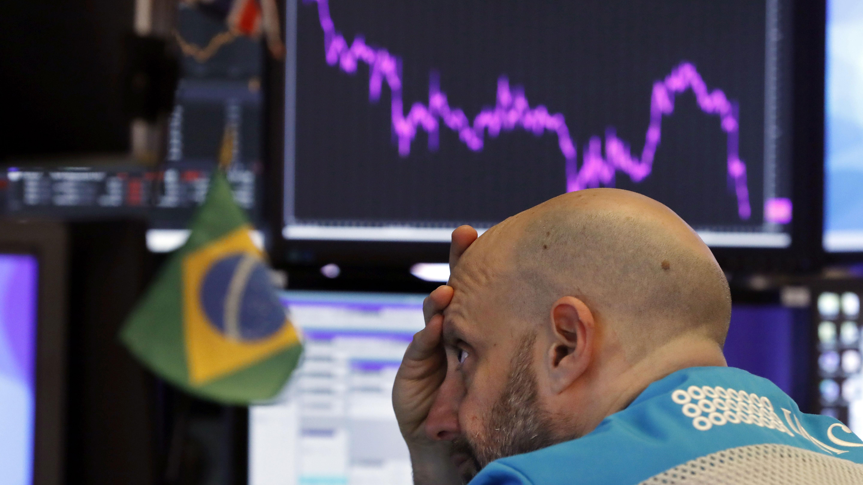 Bolsa de Sao Paulo se desploma 5% tras confirmarse primer caso de coronavirus en Brasil