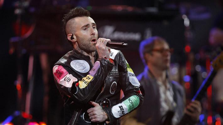 Maroon 5 no cumple con las expectativas y entrega el show inicial más breve en lo que va de Viña 2020