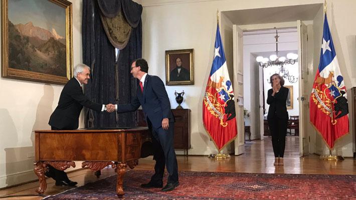 """Cubillos renuncia como ministra de Educación para """"asumir importantes desafíos en el debate público"""""""