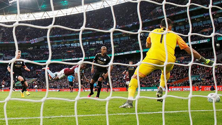 Mira el gol que le anotaron a Bravo en la final de la Copa de la Liga y la atajada que le valió el trofeo al City