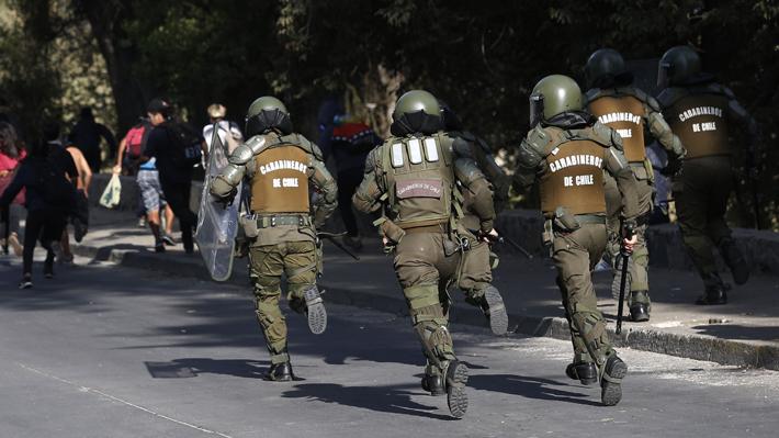 Video: El momento de la detención de 29 personas en Plaza Italia utilizando nueva estrategia de Carabineros
