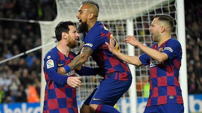 """""""Refrescante"""", """"superviviente""""... Prensa española destacó actuación de Vidal en triunfo clave del Barcelona"""