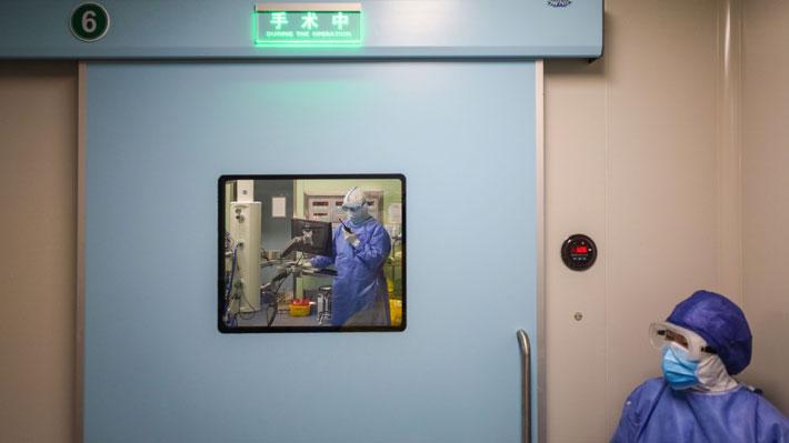 China empieza a cerrar hospitales levantados en Wuhan para contener el coronavirus tras descenso en número de casos