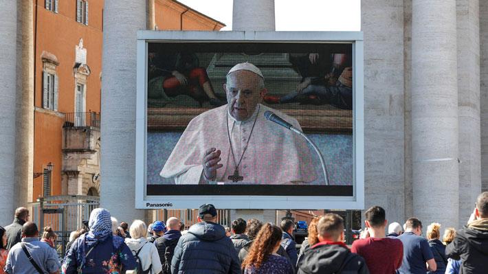 Cierran los museos y villas del Vaticano para evitar contagio de coronavirus y Papa pide transmitir misas por streaming
