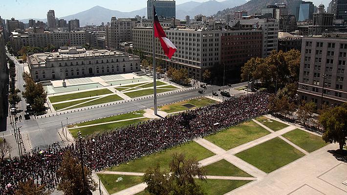 Carabineros cifra en 150 mil los asistentes a la marcha del 8M en Santiago y explica método de cálculo