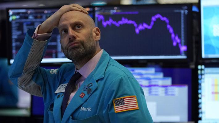 Wall Street cierra durante 15 minutos por el desplome de 7% de su indicador S&P