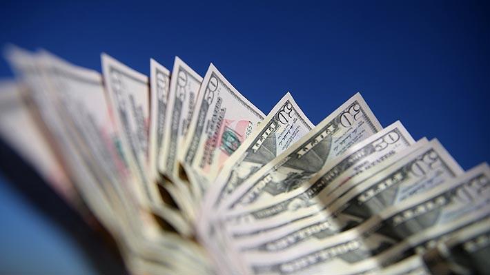 Dólar pulveriza todos los registros y se dispara $18 al cierre de la sesión ante auge del Covid-19