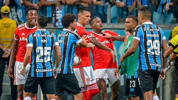 Escándalo en la Libertadores: Duelo de Inter y Gremio por el grupo de la UC terminó con ocho expulsados