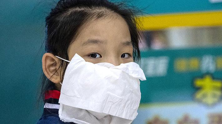 Mascarillas caseras y guantes quirúrgicos en el transporte público: ¿Son efectivos para prevenir el contagio de Covid-19?