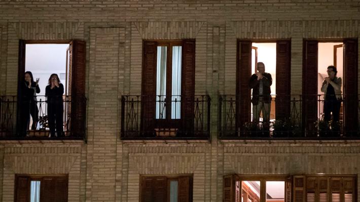 ¿Qué hacer cuando llegas a casa? ¿Cómo saludar a conserjes y vecinos? Las normas de convivencia en tiempos de Covid-19