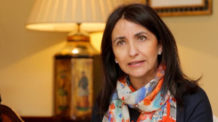 """Ministerio de la Mujer alerta sobre el """"riesgo"""" que implicaría la cuarentena en algunas familias y activa plan de contingencia"""