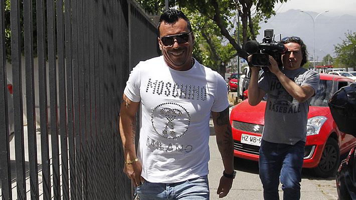 Así han sido los primeros días de Esteban Paredes como dueño de un club profesional... Ya tendría incluso al DT