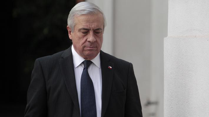 """Mañalich entrega detalles de primera fallecida por Covid-19 en Chile y dice que contagio fue por """"un brote familiar"""""""