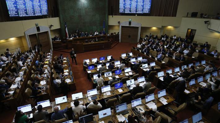 Congreso despacha proyecto que permite a parlamentarios votar a distancia mientras dure emergencia por coronavirus
