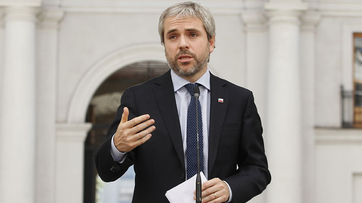 """Blumel dice que ha habido """"muy buena disposición"""" a acoger propuesta de Briones de rebajar sueldos de ministros"""