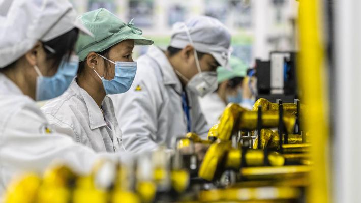 """China registra menos de 4.500 contagiados de coronavirus """"activos"""""""