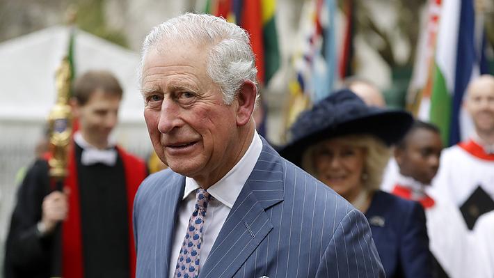 Príncipe Carlos, heredero de la corona británica, dio positivo a Covid-19: Tiene síntomas leves